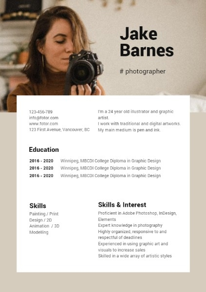 Brown Simple Photographer Resume