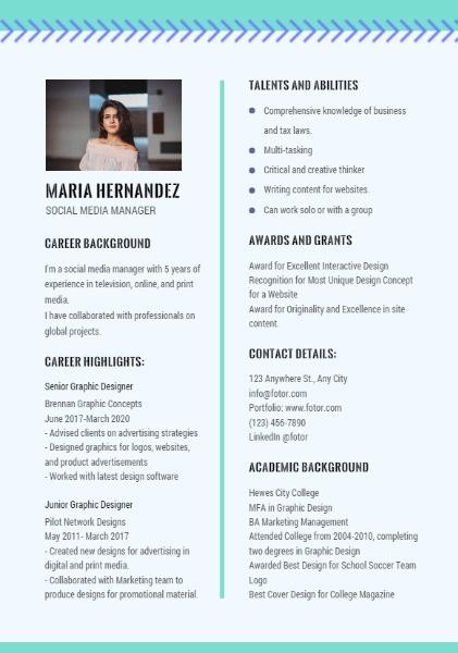 Social Media Manager Light Blue Simple Resume