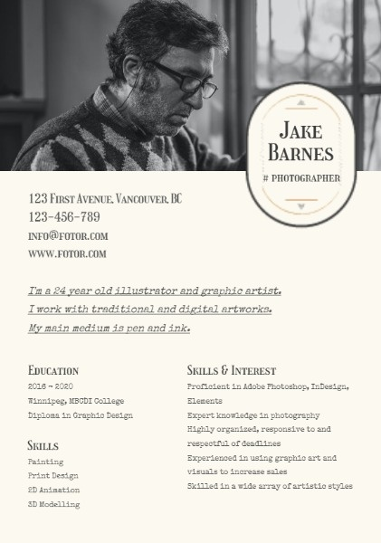 Photographer Black Simple Resume